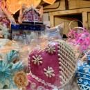 5 бочек для декора новогодней ярмарки на площади Молодёжи сегодня установило предприятие «Русский бисквит»